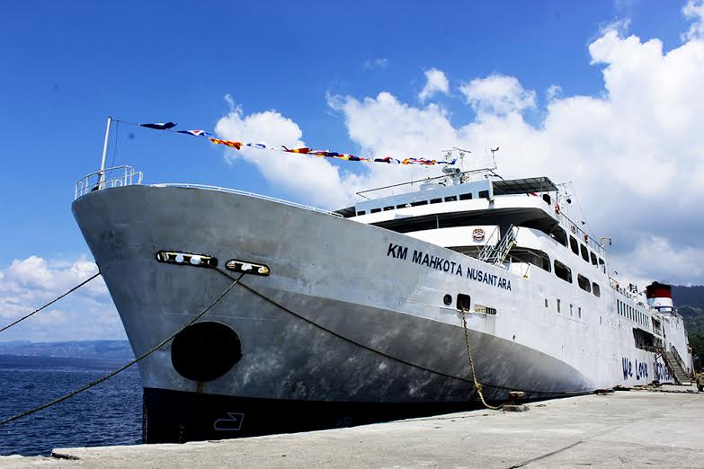 tiket mobil kapal laut surabaya km mahkota nusantara. sumber foto floreskita google
